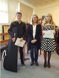 Youth Music Awards 2017 - Borthwick Prize Winners with Bendigo Bank Director, Deb Weber